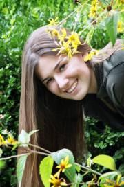 Senior pictures flowers